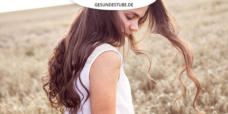 Dunkle Haare Und Helle Haut Sind Perfekt Für Die