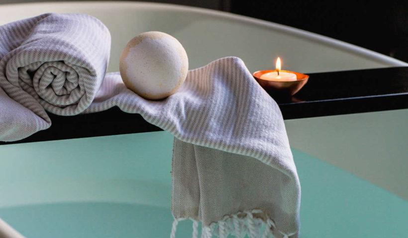 Nachhaltigkeit im Bad Plastikfrei Verpackungsfrei festes Shampoo