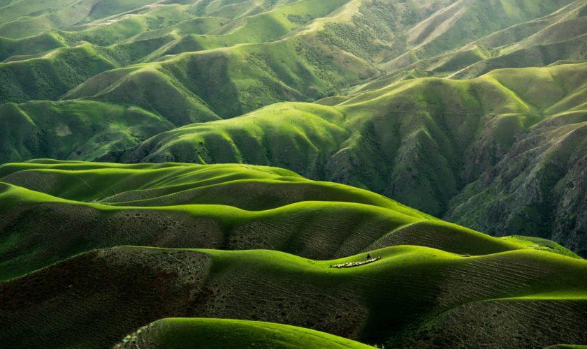 Sind Wasserfilter nachhaltig? - Ein Bild von grünen Bergen in China.