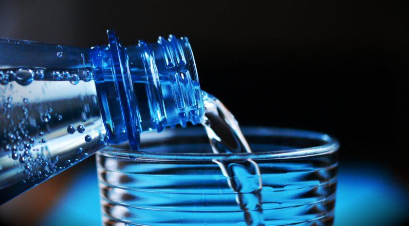 Trinkwasser aus der Plastikflasche