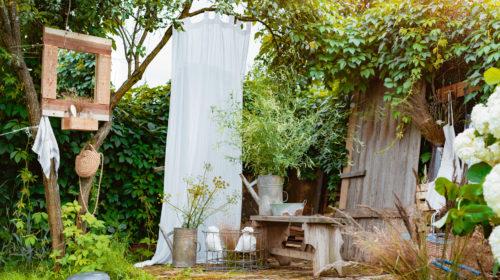 Ein biologisch abbaubares Shampoo ist nicht nur gut für dich, sondern auch für die Natur.